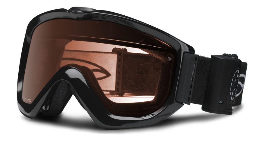 289b36239faa25 ... qui se charge d extraire par le haut du masque l air chaud et humide.  L air frais arrive quant à lui par les ouvertures pratiquées sur l écran.