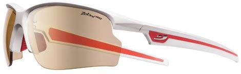 Avec son modèle Ultra et ses verres souples, Julbo décide de venir lorgner  du côté des marques sportives et innovantes. fdbcb00ad977